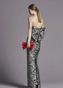 прямое платье с открытой спиной