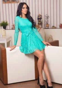 Короткое гипюровое платье