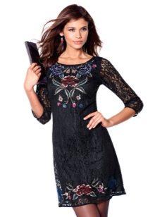 Недорогое платье короткое гипюровое платье