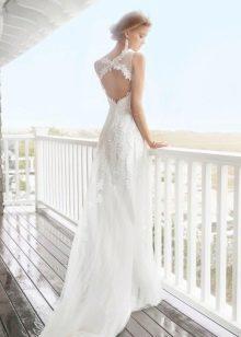 Свадебное платье из гипюра с открытой спиной