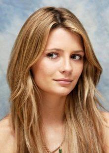 Крашеные волосы с медным подтоном для женщин цветотипа Осень