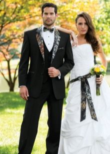 Свадебное платье с камуфляжными вставками