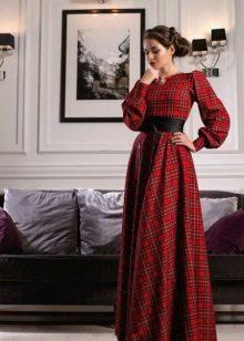 Длинное красное платье в клетку с черным поясом оби