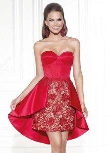 Платье с кружевной юбкой короткое