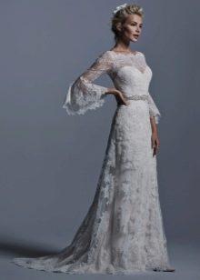 Кружевное платье свадебное а-силуэта