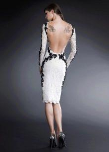 Кружевное платье с открытой спиной белое