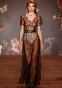 Прозрачное кружевное платье