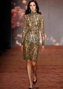 Прозрачное кружевное платье миди
