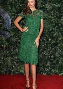 Кружевное зеленое платье миди