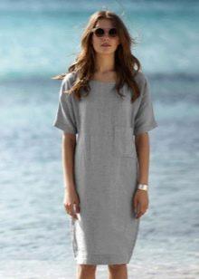 Льняное платье прямого кроя