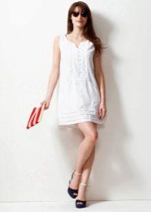 Белое короткое льняное платье