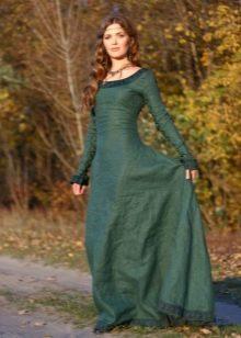 Льняное длинное зеленое платье с кружевной отделкой