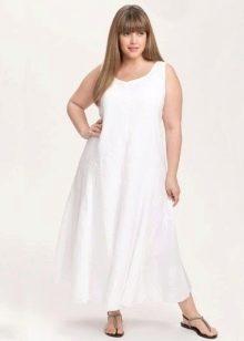 Длинное белое платье из льна для полных