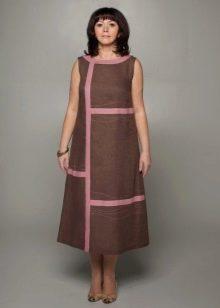 Льняное платье с А-образным силуэтом средней длины