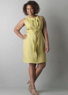 Льняное платье на поясе для полных