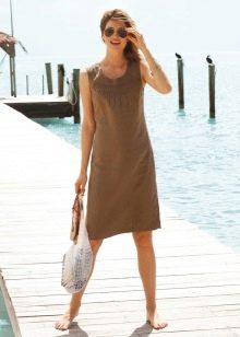 Льняное платье А-образного силуэта