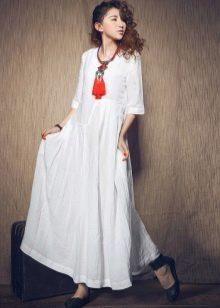 Белое длинное льняное платье