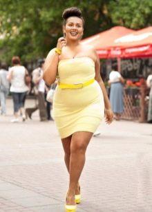 Желтое обтягивающее платье для полных женщин