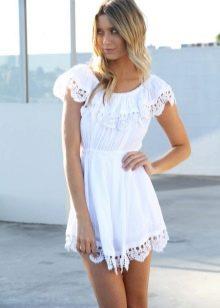 Платье бэби долл белого цвета