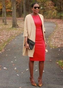 Платье-футляр в сочетание с удлиненным кардиганом