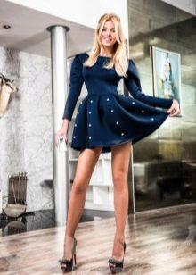 Короткое платье из неопрена