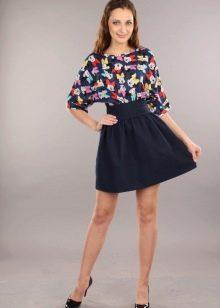 Комбинированное летнее платье из джерси и полиэстера