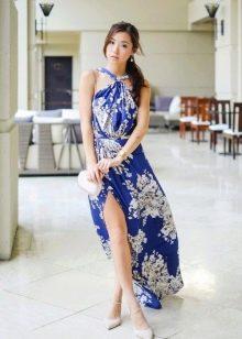 Длинное платье из штапеля с разрезом