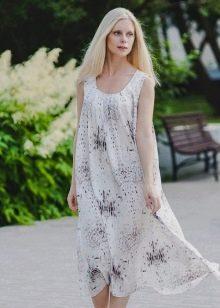 Туникаподобное платье из штапеля