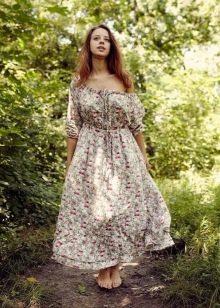 Длинное платье из штапеля с открытыми плечами в народном стиле