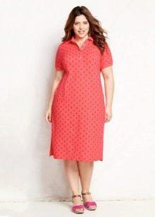 Удлиненное платье-поло для полных