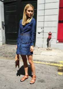 Джинсовое платье-рубашка на широкой резинке в области талии