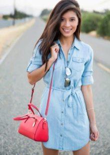 Джинсовое платье-рубашка на поясе