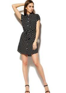 Черное-белое платье-рубашка в горошек