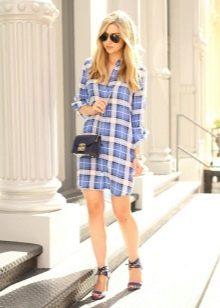 Платье-рубашка в голубую клетку