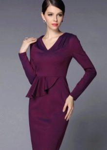 Платье с баской и длинным рукавом