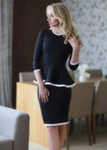 Платье с баской и рукавом три четверти