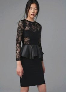 Платье с баской с кружевным длинным рукавом