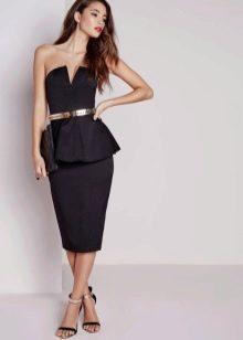 Черное платье-бюстье с баской, с зауженной убкой