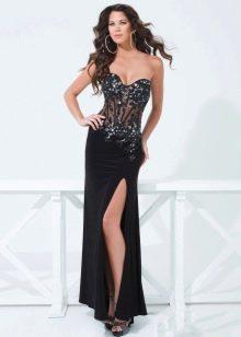 Платье со открытым корсетом