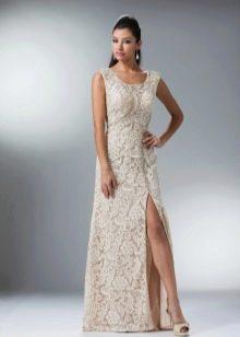 Кружевное молочное платье с корсетом и стразами