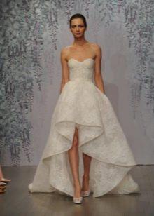 Модное платье с корсетом и флейфом