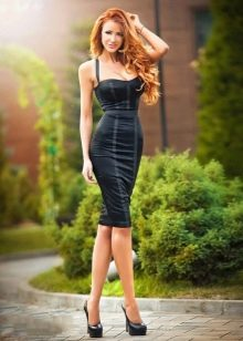 Сексуальное платье с корсетом