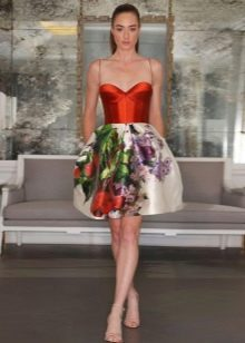 Платье с корсетом на тонких бретелях