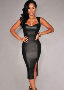 Черное сексуальное платье с корсетом