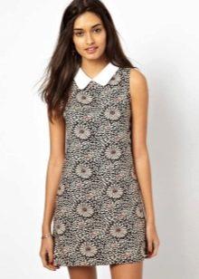 Платье-шифт с воротничком без рукавов