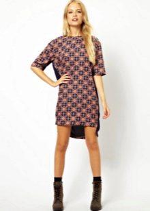 Платье-шифт с асимметричным низом юбки