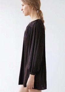 Теплое черное платье трапеция