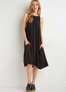 Платье трапеция средней длины