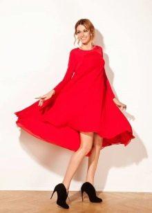 Красное платье трапеция с длинными рукавами