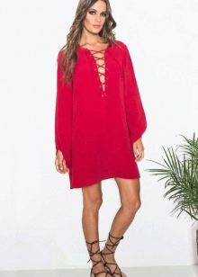 Красное платье-туника